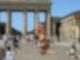 OpeROAR in Aktion vor dem Brandenburger Tor