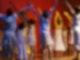 Kinder stehen auf deiner Bühne und strecken die Hände in die Höhe